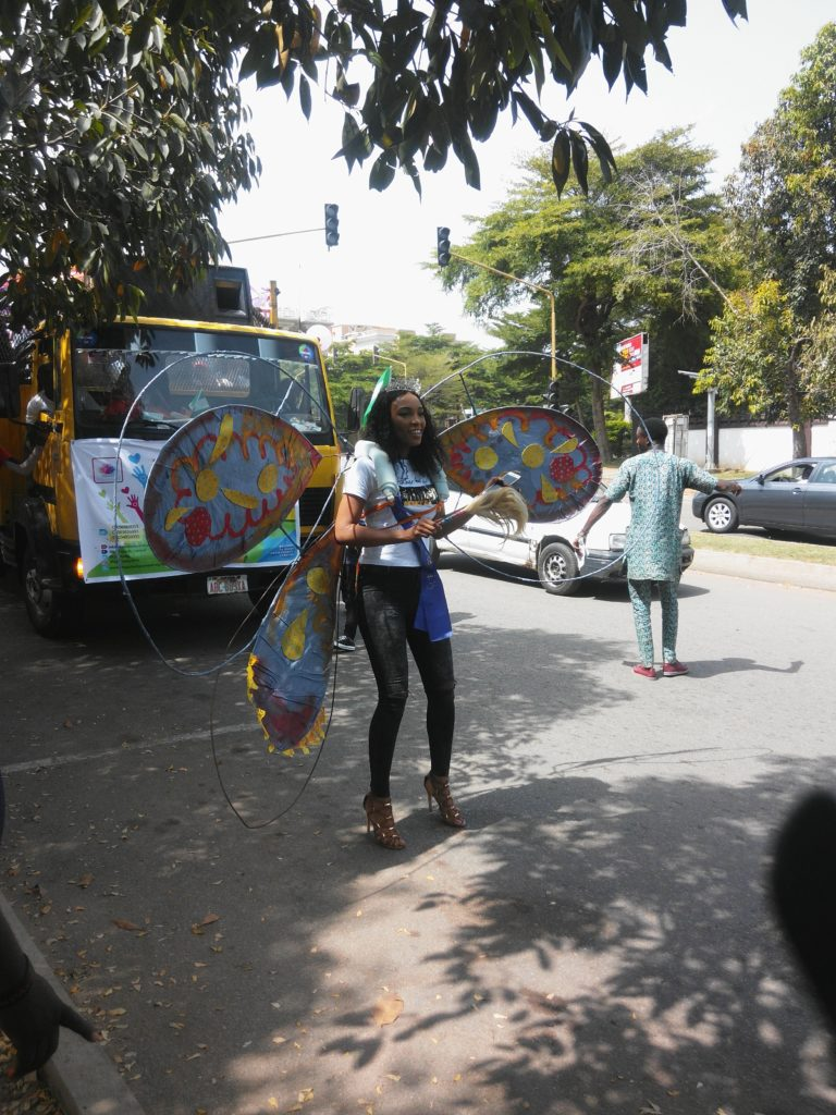 Miss Commonwealth Africa dancing at the Roadshow